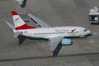 OE-LNL @ VIE - Austrian Airlines Boeing 737-600