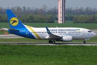 UR-GAK @ VIE - Ukraine International Boeing 737-5Y0 - by Chris J