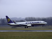 EI-DYY @ EGPH - Ryanair Boeing 737-8AS Landing on runway 06 at a misrable Edinburgh airport - by Mike stanners