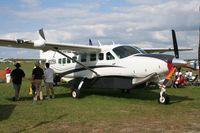 N2215V @ LAL - Cessna 208B
