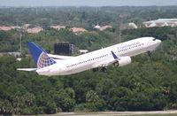N12221 @ TPA - Continental 737-800