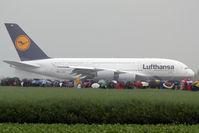 D-AIMA @ LOWL - Lufthansa (heavy rain) - by Christian Zulus