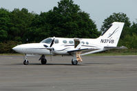 N37VB @ EGLK - Cessna 421C at Blackbushe