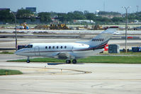 N895QS @ KORD - Netjets 2002 Raytheon Aircraft Company HAWKER 800XP, c/n: 258606 at Chicago O'Hare