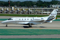 N33LX @ KORD - Cessna 560XL, c/n: 5606010 taxying at Chicago O'Hare