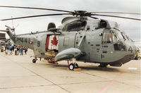 12441 @ MHZ - CH-124 Sea King of Squadron HS-423 Canadian Armed Forces on display at the 1994 Mildenhall ASir Fete. - by Peter Nicholson