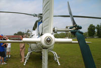 N186AE - Rear white navlight and tail rotor - by George A.Arana