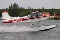 N2729J @ LHD - Cessna 188
