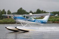 N5620J @ LHD - Cessna 182