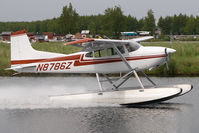 N8786Z @ LHD - Cessna 185