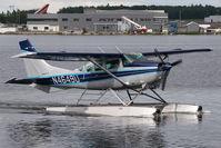 N4649U @ LHD - Cessna 206
