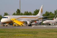 M-SBAH @ VIE - Al Habtoor Group Embraer 190 - by Thomas Ramgraber-VAP
