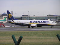 EI-DHJ @ EIDW - Ryanair lining up on r/w 28 - by Robert Kearney