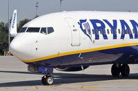 EI-DCP @ EPKK - Ryanair