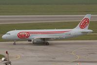 D-ALAR @ LOWW - Fly Niki Airbus 320 - by Dietmar Schreiber - VAP