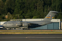 97-0041 @ KBFI - KBFI This C-17 brought Knighthawk 85 VH-60 in for the Presidential visit to Seattle Aug 17th 2010