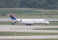 N528CA @ DTW - Comair CRJ-200