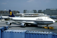 D-ABYQ @ EDDF - old Lufthansa colors - by Joop de Groot