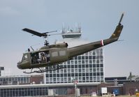 N426HF @ DAY - UH-1H