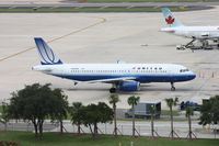 N495UA @ TPA - United A320