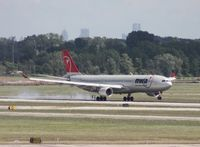 N813NW @ DTW - Northwest A330-300