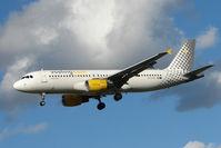 EC-KHN @ EGLL - Vueling's 2007 Airbus 320-216, c/n: 3203 at Heathrow