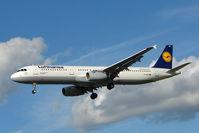 D-AISR @ EGLL - 2009 Airbus A321-231, c/n: 3987 of Lufthansa at Heathrow