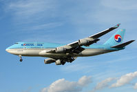 HL7402 @ EGLL - Korean Air Boeing 747-4B5, c/n: 26407 at Heathrow