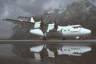 OE-LLU @ LOWI - Tyrolean Dash 7 - reflection