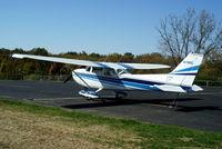 N7161G @ I19 - 1969 Cessna 172K - by Allen M. Schultheiss