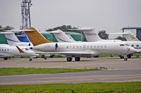 4X-COI @ EGGW - Global Express at Luton - by Terry Fletcher