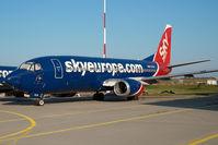 OM-CLB @ LHBP - Sky Europe Boeing 737-300