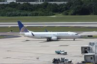 N77296 @ TPA - Continental 737-800 - by Florida Metal