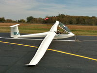 N304BU @ H71 - This is my first flight in this glider - by Randy Teel