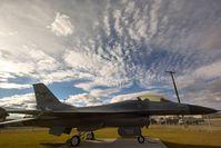 79-0290 @ KGTF - F-16 Fighting Falcon Montana Air Guard - by Daniel Ihde