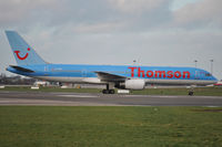G-OOBJ @ EIDW - Thomson heading to stand - by Robert Kearney