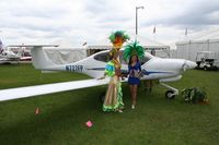 N727FP @ LAL - Brazilian girls in front of a Diamond DA 40