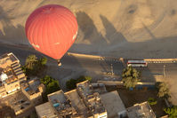 UNKNOWN - Egyptian Balloon over Luxor West Bank SU-280