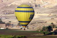 UNKNOWN - Egyptian Balloon over Luxor West Bankl SU-261