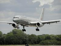 NZ7572 @ EGVA - New Zealand Air Force B757 NZ7572 landing after display at RIAT 2010 - by Manxman