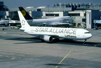 D-ABUW @ EDDF - Star Alliance special colours - by Joop de Groot