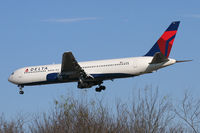 N171DN @ DFW - Delta Airlines at DFW Airport - by Zane Adams
