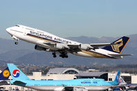 9V-SPE @ LAX - Singapore Airlines 9V-SPE departing RWY 25R en route to Narita Int'l (RJAA). - by Dean Heald