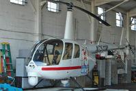 N7511W @ KORL - 2002 Robinson Helicopter R44, c/n: 1198
