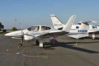 N888UB @ KORL - 2006 Diamond Aircraft Ind Inc DA 42, c/n: 42.AC004
