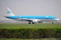PH-EZE @ EHAM - KLM Cityhopper - by Jan Lefers