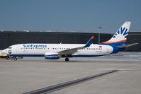 TC-SNU @ LOWW - Sun Express Boeing 737-800 - by Dietmar Schreiber - VAP