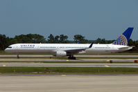 N57852 @ MCO - 2001 Boeing 757-324, c/n: 32811