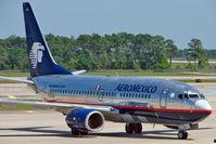 N784XA @ MCO - Aeromexico Boeing 737-752, c/n: 33784