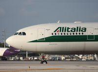 EI-EJH @ MIA - Alitalia A330-200